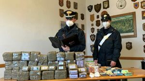 Figline: 35 chili di hashish nel garage, arrestato