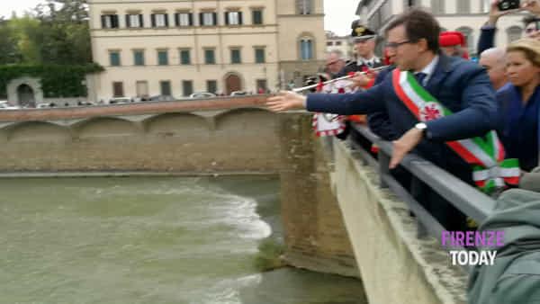Corona in Arno per il 53esimo anniversario dell'alluvione / VIDEO