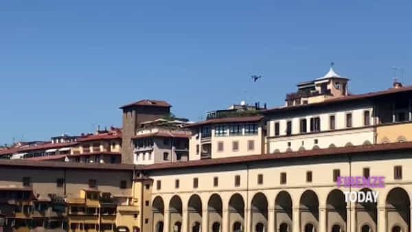 Drone vola su Ponte Vecchio / VIDEO e FOTO
