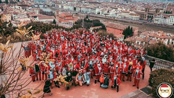 Babbonatalata: Babbi Natale in moto in giro per Firenze