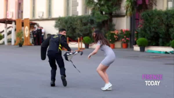 """Carabinieri: """"spari"""" in caserma, esibizioni per la festa dell'Arma / VIDEO"""