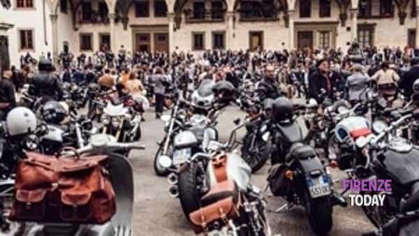 "motociclisti ""in ghingheri"" al piazzale michelangelo.-4"