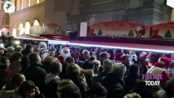 Il festival delle luci a Firenze: piazze e vie illuminate / VIDEO | FOTO