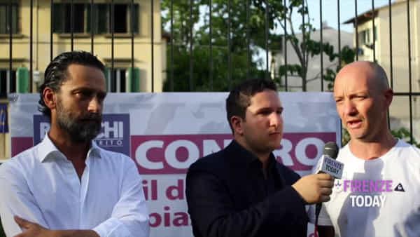 Calcio storico 2019: Bianchi in piazza Tasso contro il degrado / VIDEO