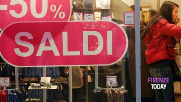 "Confcommercio: ""Posticipare i saldi? Regalo all'e-commerce"""