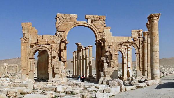 G7 della cultura, la riproduzione dell'Arco di Palmira in piazza della Signoria