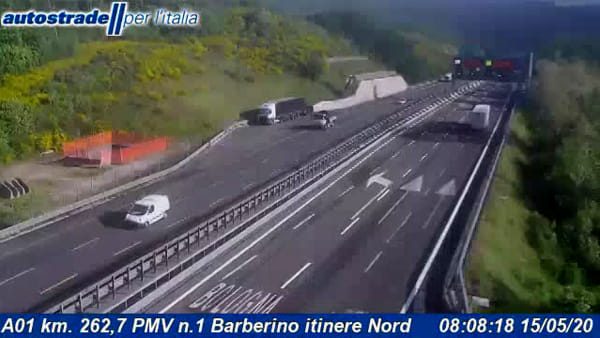 Autostrade A1: incendio all'interno di una galleria
