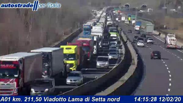Incidente sull'autostrada A1: scontro tra tir in Appennino