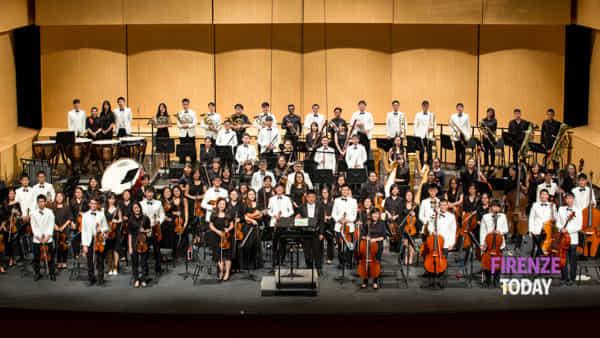 National university Singapore's symphony orchestra alla Loggia dei Lanzi