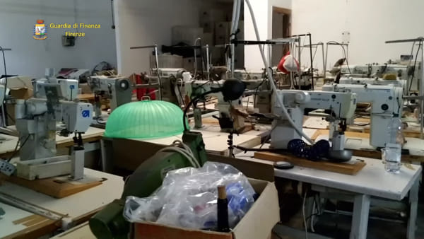 Evasione, bancarotta e caporalato: a Empoli lavoratori pagati 3 euro l'ora