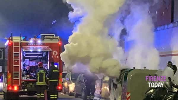 Cassonetto a fuoco / FOTO - VIDEO