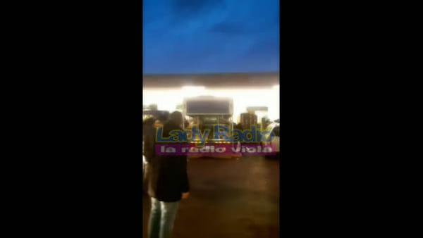 La maxi rissa della Mercafir prosegue all'esterno del mercato / VIDEO