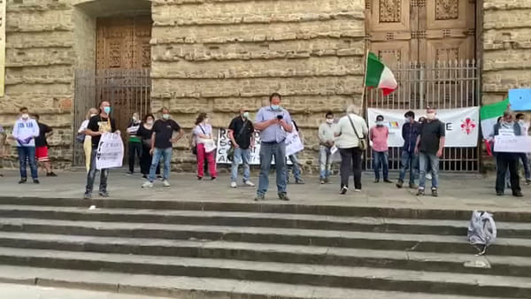 "San Lorenzo, la protesta degli ambulanti: ""Dimenticati dal Governo"" 