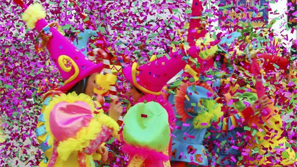 """""""Carneval Revolution"""": la festa di carnevale all'Ippodromo del Visarno"""