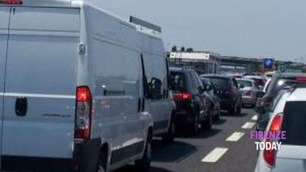 Incidente a catena tra camion in autostrada: fino a 15 km di coda
