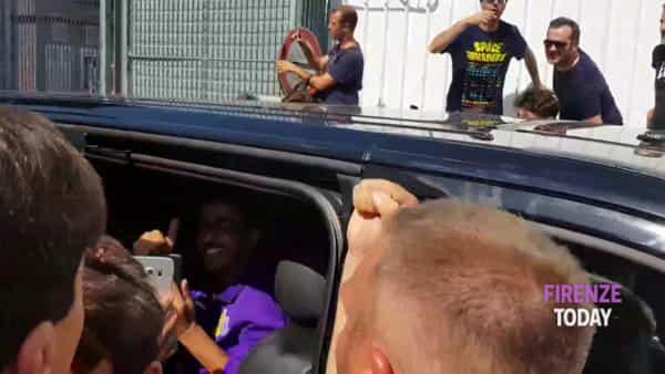 Fiorentina: il caloroso benvenuto dei tifosi a Ribéry / VIDEO