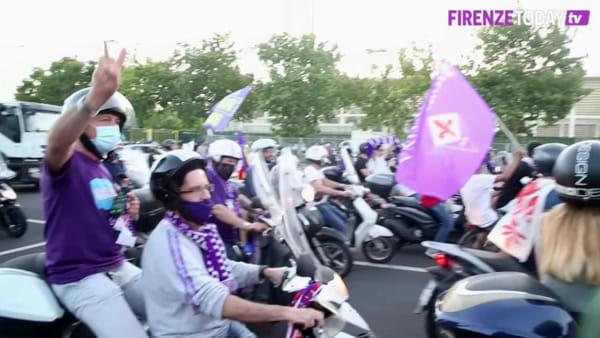"""La protesta viola, ruspe fuori dal Franchi: """"Basta burocrazia"""" / VIDEO"""