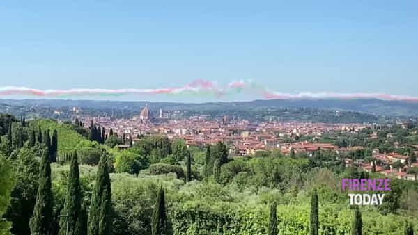 Frecce Tricolori: lo spettacolo visto dalle colline sotto Fiesole / VIDEO
