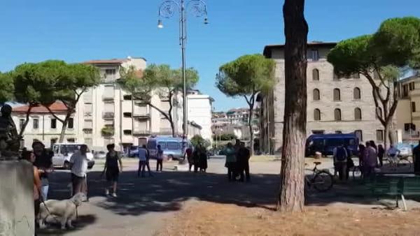 Piazza della Vittoria: addio pini, il taglio degli alberi dopo Ferragosto / VIDEO e FOTO