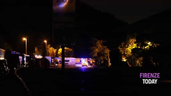 Incidente in autostrada: scontro tra un furgone e un camper, chiusa la A1 / VIDEO - FOTO