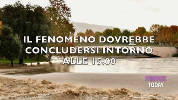 L'Arno torna a far paura: la giornata in meno di 2 minuti / VIDEO
