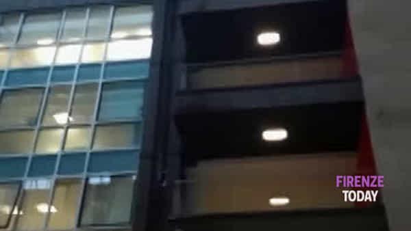Maltempo, piove dentro: allagato il Palazzo di Giustizia / VIDEO