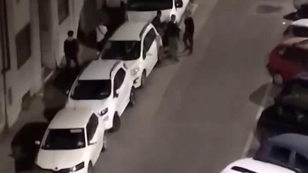San Jacopino: bravata in strada con le pistole giocattolo / VIDEO