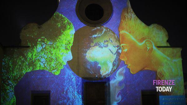 Luci, 500 disegni illuminano la facciata di Santo Spirito