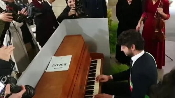 Un pianoforte per i visitatori di Palazzo Vecchio / VIDEO