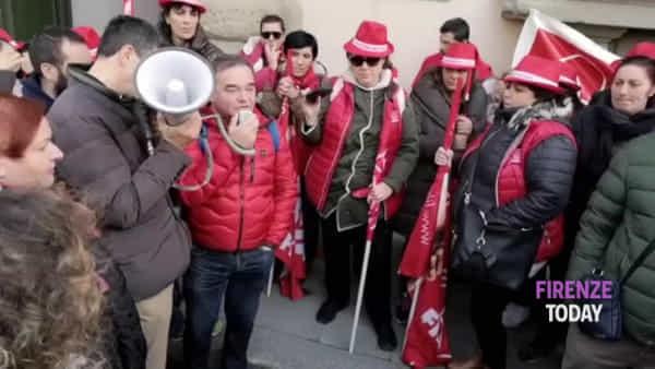 Appalti pulizie scuola: 215 lavoratrici a rischio in Toscana / VIDEO