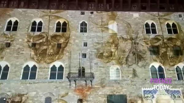 Omaggio a Leonardo da Vinci: le opere proiettate su Palazzo Vecchio / VIDEO