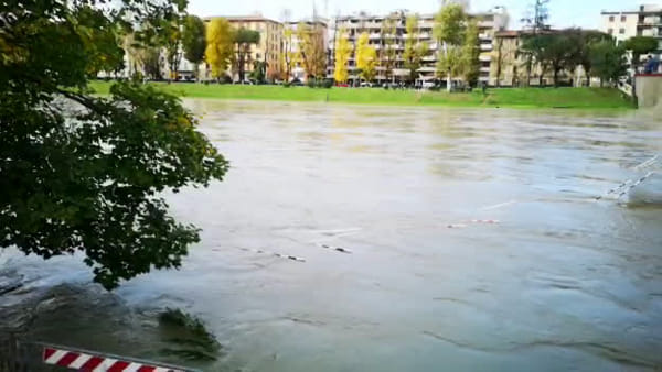 Maltempo: l'Arno in piena al Ponte da Verrazzano
