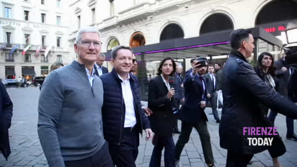 Tim Cook, il Ceo di Apple a Firenze / FOTO - VIDEO