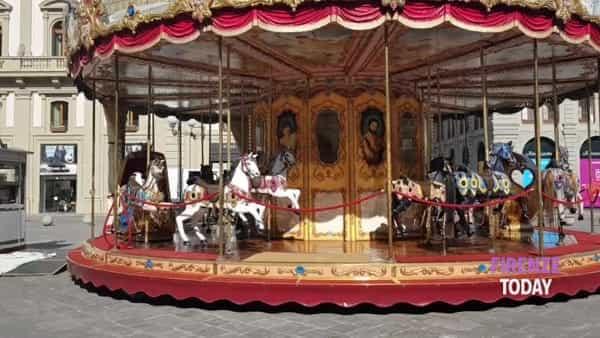 Riapre lo storico carosello di Piazza della Repubblica: giri gratis per i bambini