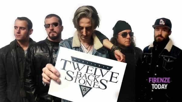 Twelve Back Stones in concerto all'Hard Rock Cafe