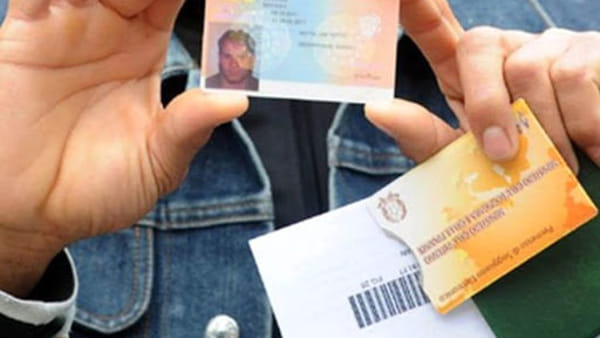 Coronavirus Chiuso L Ufficio Immigrazione Sospesa La Consegna Dei Permessi Di Soggiorno