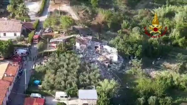 Isola d'Elba: crolla palazzina a Portoferraio / VIDEO