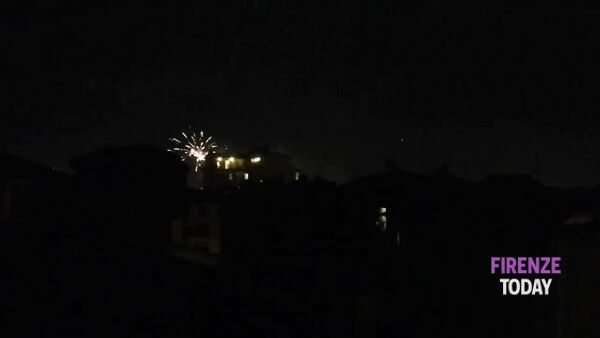 Benvenuto 2021, tanti fuochi d'artificio su Firenze / VIDEO