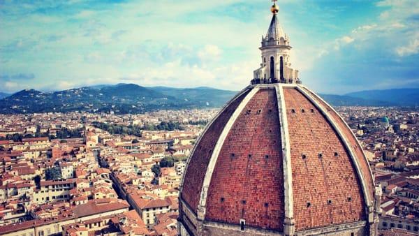 Coronavirus: Firenze deserta, le immagini dal drone / video