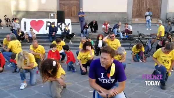Santo Spirito in ginocchio in ricordo di Riccardo Magherini / VIDEO - FOTO
