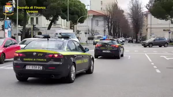 Livorno, truffe internazionali nella vendita delle case: 4 arresti
