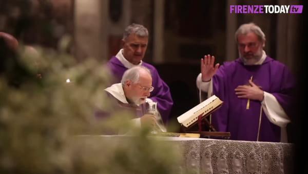 Funerale di Narciso Parigi: ultimo saluto al padre del labaro viola / VIDEO - FOTO