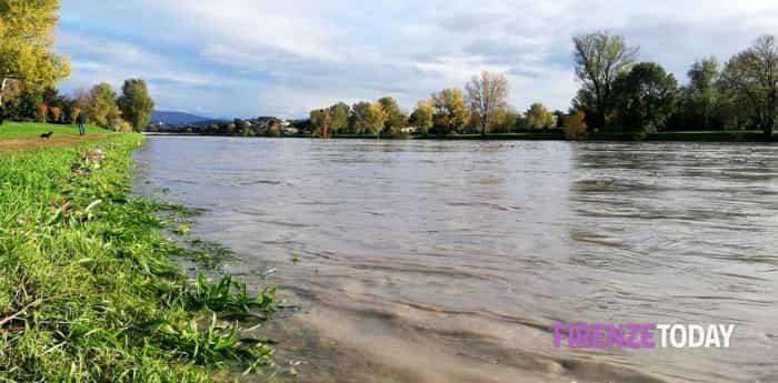 Il passaggio della piena dell'Arno